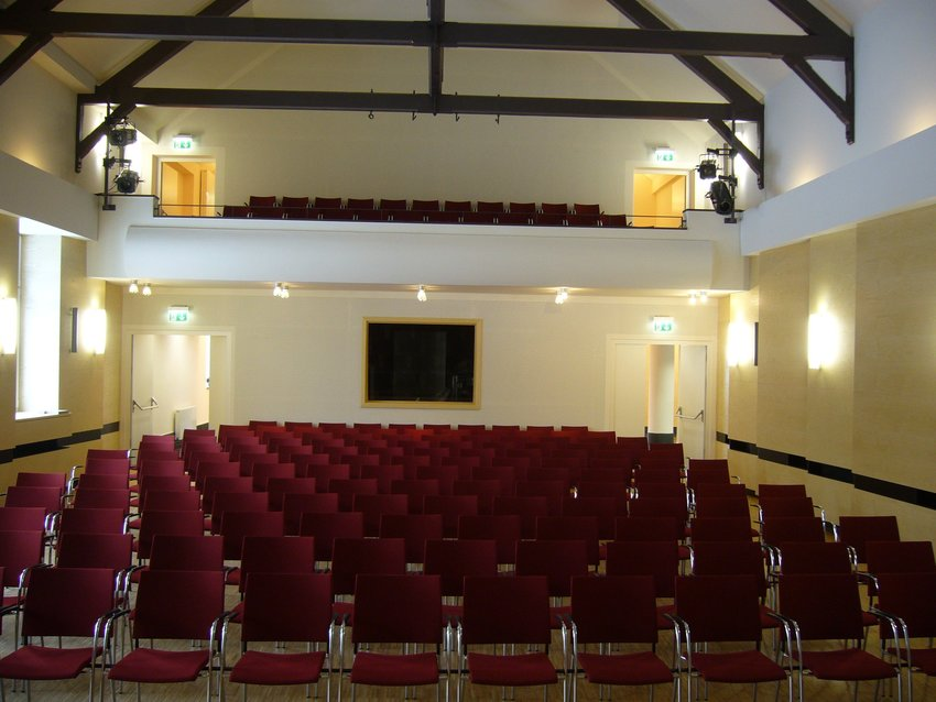 FT Saal Empore