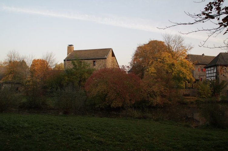 Stadt Ratingen Wasserburg Haus zum Haus